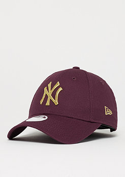 New Era 9Forty Essential MLB NEw York Yankees maroon