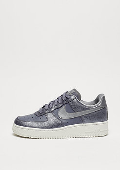 NIKE Wmns Air Force 1 07 PRM light carbon/mtlc cool grey/light carbon