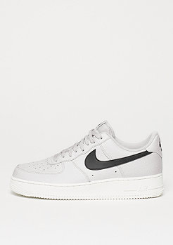 NIKE Air Force 1 07 LV8 vast grey/black/summit white