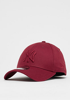 New Era 39Thirty MLB New York Yankees League Essential cardinal
