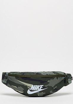 NIKE NK Heritage Hip AOP cargo khaki/black/white