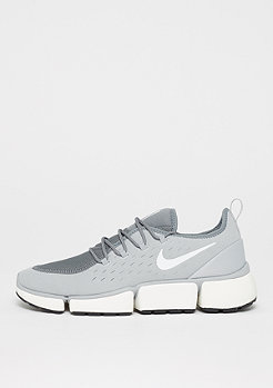NIKE Pocket Fly DM wolf grey/white/cool grey/sail