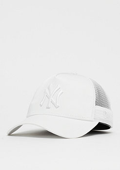 New Era 9Forty Trucker MLB New York Yankees Satin white/white