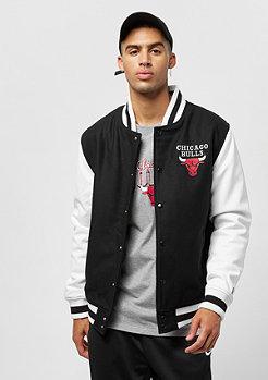 New Era NBA Contrast Varsity Jacket Chicago Bulls black white