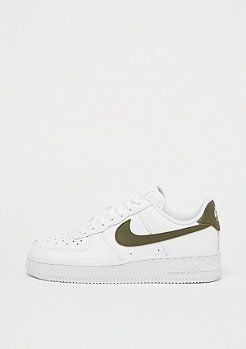 NIKE Wmns Air Force 1 white/medium olive