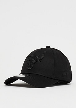 New Era 39Thirty NBA Chicago Bulls Black on Black black/black