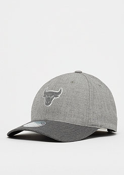 Mitchell & Ness NBA Chicago Bulls HWC Beam 110 Curved Snap grey