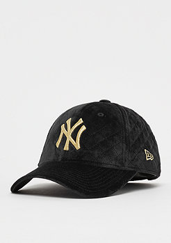 New Era 9Forty Wmns MLB New York Yankees Winter black/gold