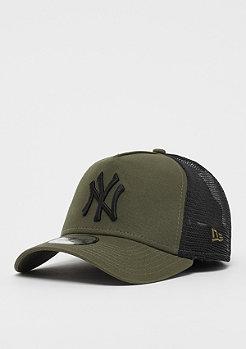 New Era 9Forty Trucker MLB New York Yankees Essential black/cyber