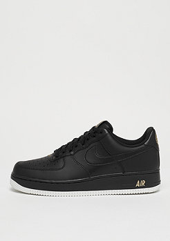 NIKE Air Force 1 07 black/black/summit white/metallic gold