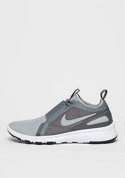 NIKE Schuh Current Slip-On wolf grey/metallic silver/dark grey