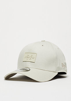 New Era Baseball-Cap 39Thirty Patched Tone stone/stone