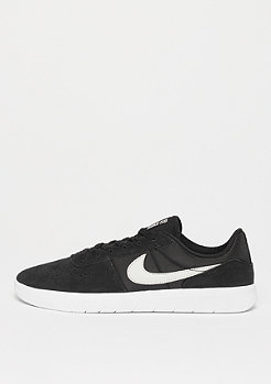 NIKE SB Team Classic CS black/light bone/white