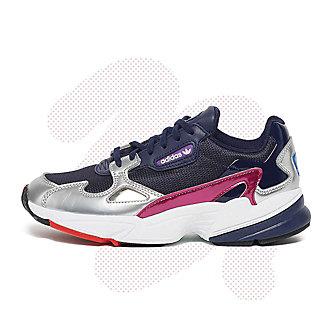 Mujer Comprar ahora calzado y ropa en la tienda online de SNIPES 87eccdcb9ca3a