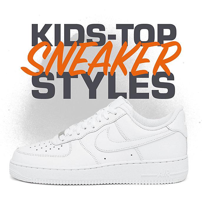 6944724afef Om Kids schoenen en kleding nu te bestellen in de SNIPES-webshop