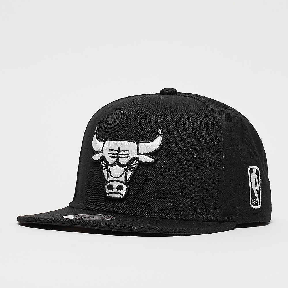 Compra Mitchell   Ness Black   White NBA Chicago Bulls Gorras Snapback en  SNIPES c46b20e0097