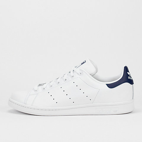 hot sales f6770 d6f2d Compra Hombre Adidas Stan Smith online en la tienda de SNIPE