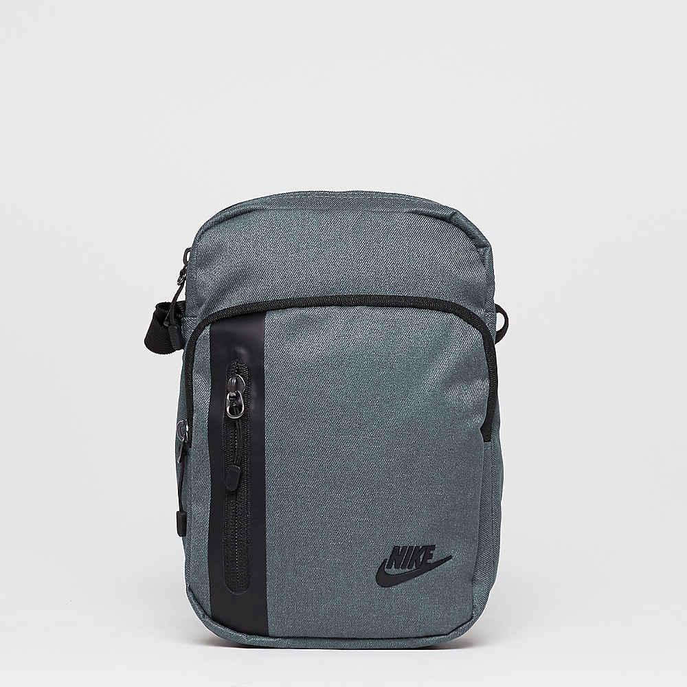 8b9ad53563696 NIKE Umhängetasche Core Small 3.0 dark grey black black Umhängetaschen und  Messengerbags bei SNIPES bestellen