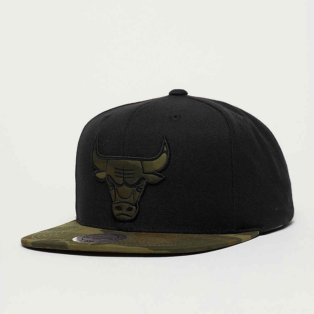 Compra Mitchell   Ness Camo Fill NBA Chicago Bulls black Gorras Snapback en  SNIPES ce4b6a72e77