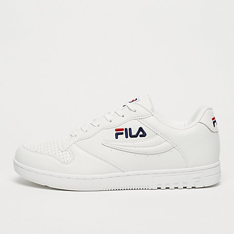 5bb32c81095 Fila apparel & accessoires in de SNIPES online shop