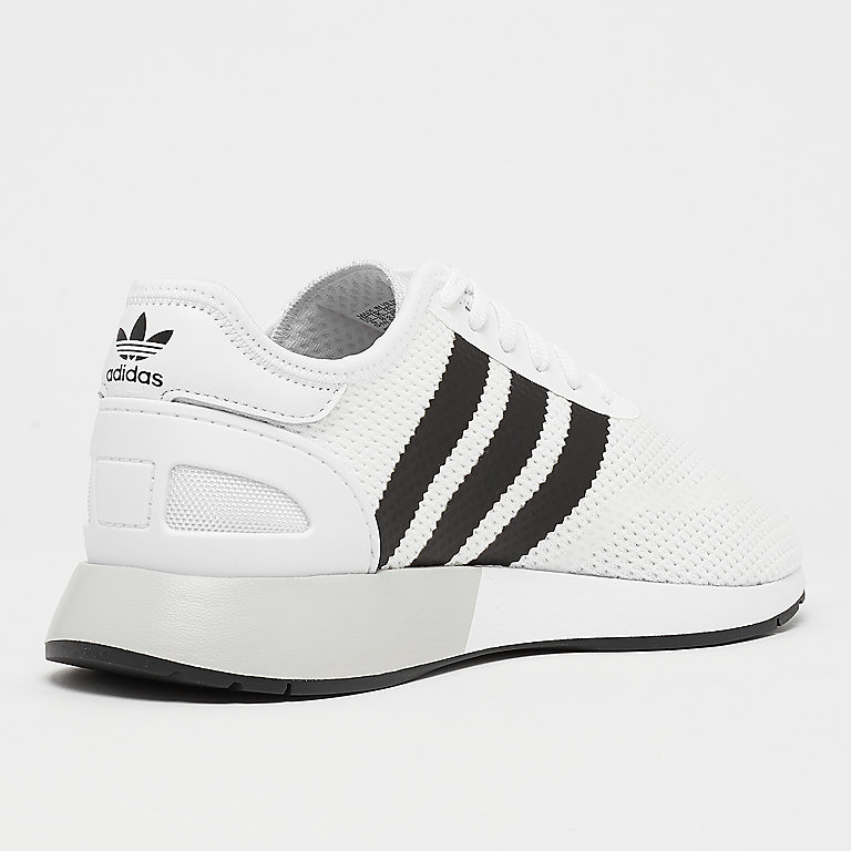 separation shoes 8f1ff 1062f adidas Iniki N-5923 whitecore blackgrey one Sneakers bij SNIPES bestellen