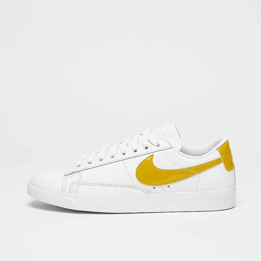 Wmns Blazer Low LE white/mineral yellow-white