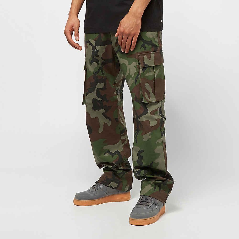 Nike Pantaloni cargo Uomo Abbigliamento medium olive