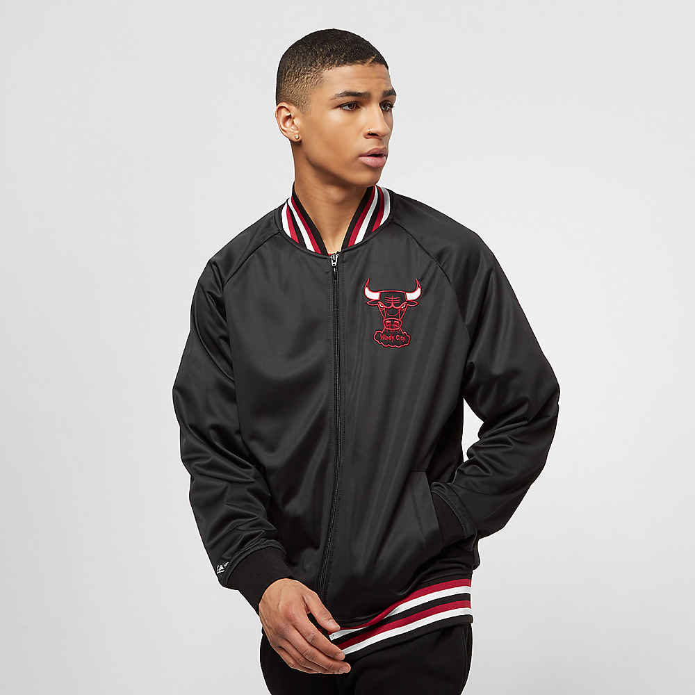 fdac1a470 Chaqueta NBA Chicago Bulls de Mitchell   Ness en SNIPES