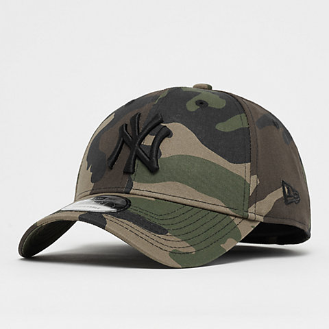 f3f039f1735 New Era. 9Forty League Essential MLB New York Yankees camo