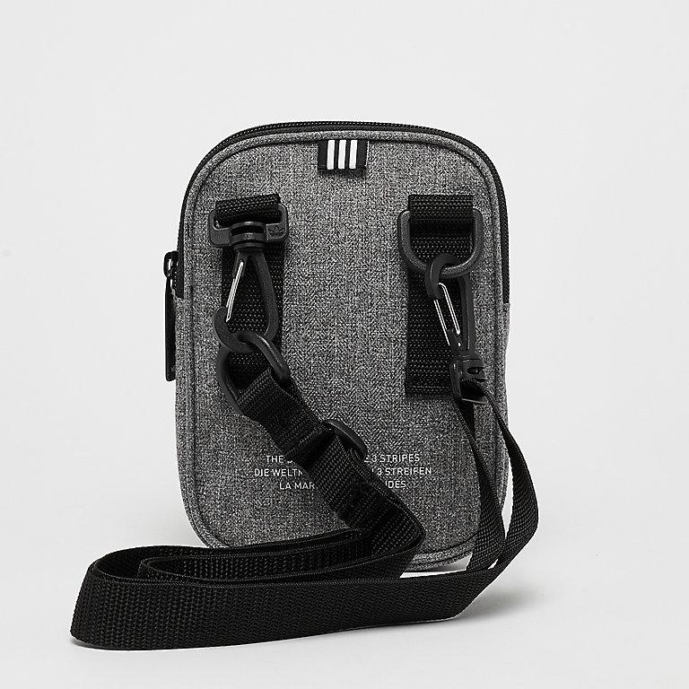 5a8bedb6ca4 adidas Fest Bag Casual black/white bij SNIPES bestellen