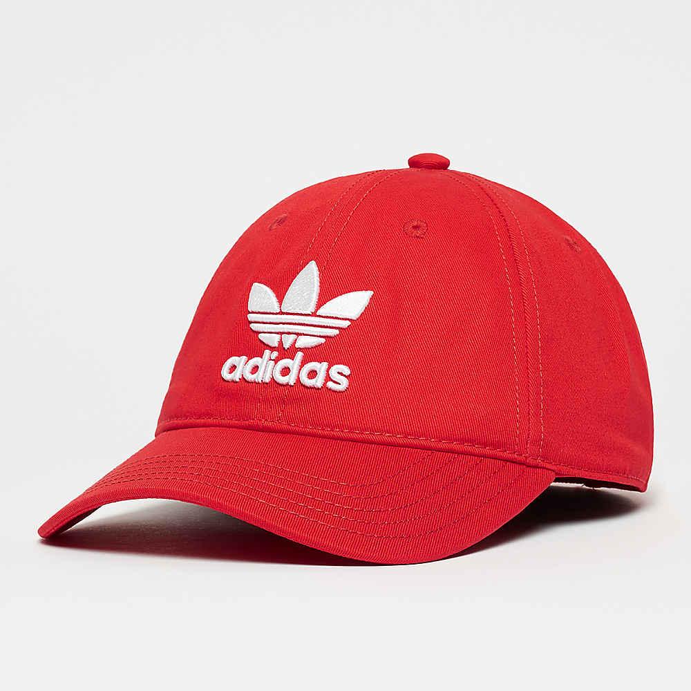La gorra adidas Trefoil Classic collegiate red ya está en línea en SNIPES 471323f91a5