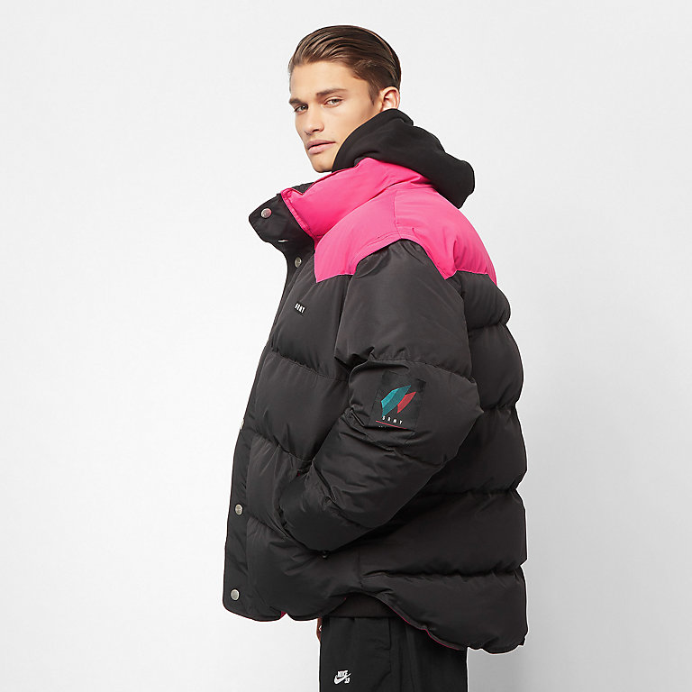 Consigue ahora tu chaqueta Grimey Pantera V8 Puffy black en SNIPES f8fd578195a
