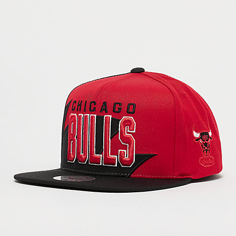 new concept 20fa8 0ca54 Mitchell   Ness NBA Chicago Bulls HWC Sharktooth Snap black