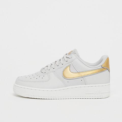 online store ba068 be940 Air Jordan 1 Low (BG) white black-white. € 74,99 · NIKE