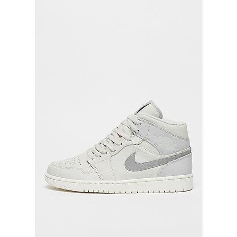Air Jordan 1 Style Sneakers e Accessori ora su SNIPES! 5a5077e952dd