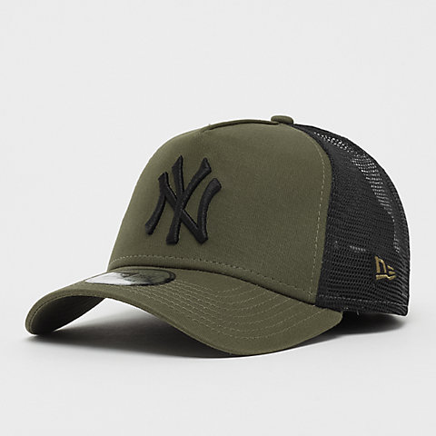 New Era. 9Forty Trucker MLB New York Yankees Essential ... 67694d8a8194