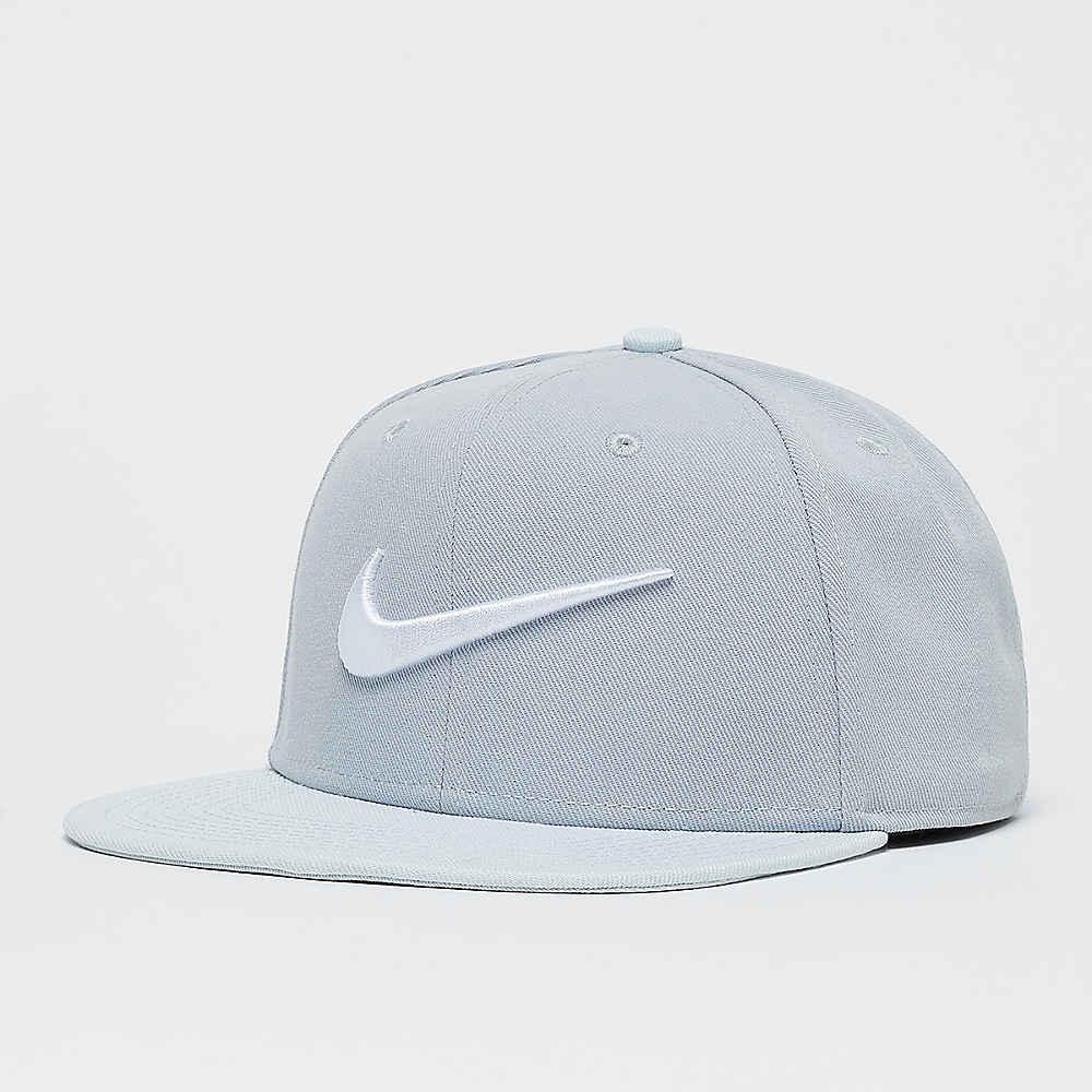 5d5c8d71 NIKE U NK PRO CAP SWOOSH CLASSIC WOLF GREY/WHITE/PURE PLATINUM Baseball  Caps bei SNIPES bestellen