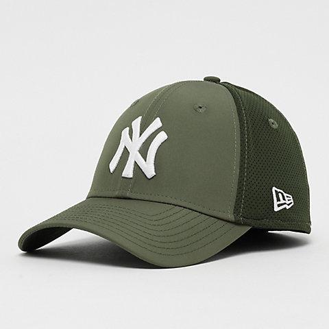b9759363f178da New Era 39Thirty MLB New York Yankees Featherweight new olive
