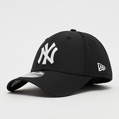 factory price 742ff 17e54 ... MLB New York Yankees Featherweight black. New Era