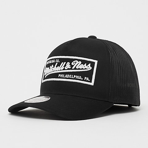 4d9140e0caf58 Mitchell   Ness. Classic Trucker black white