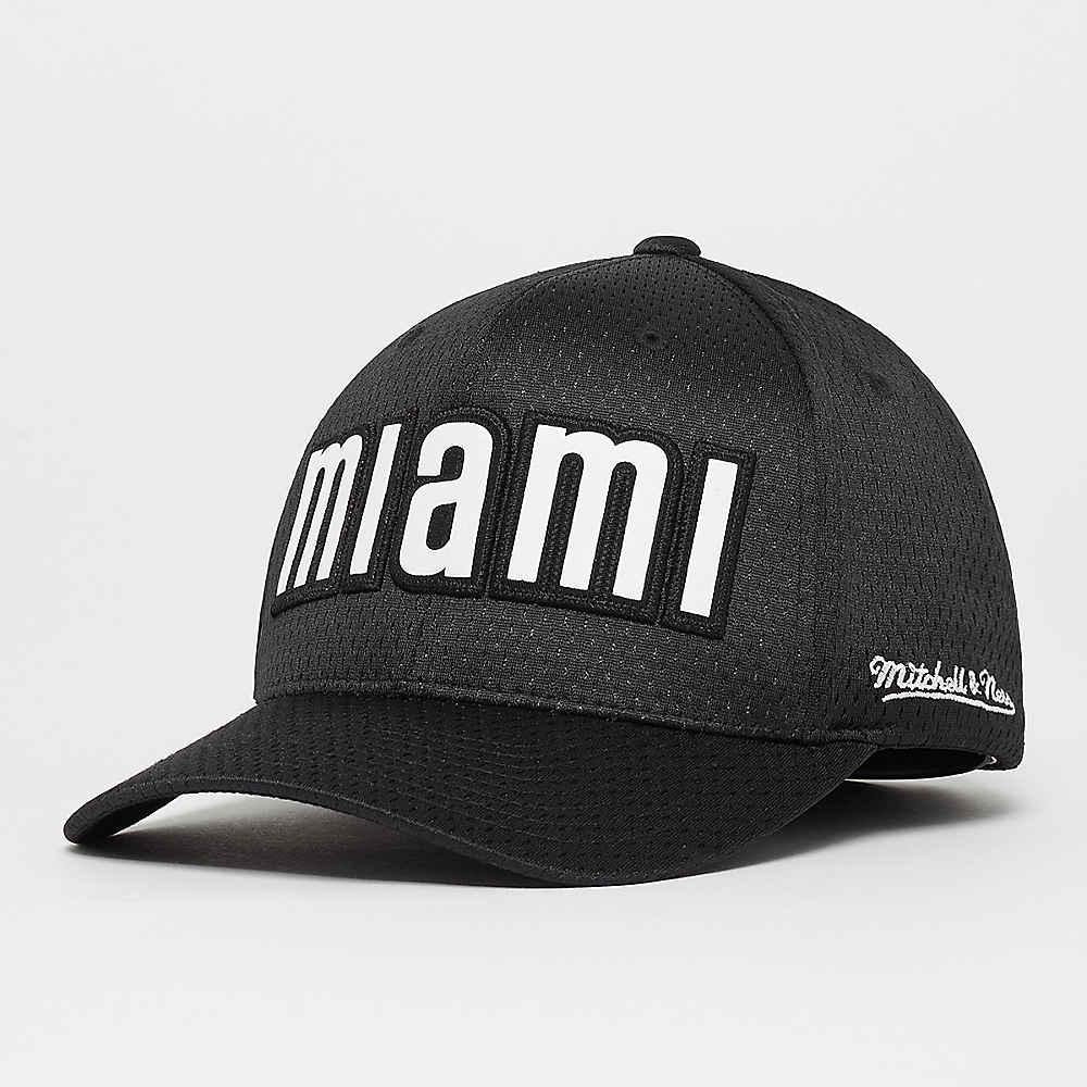 competitive price 18985 e1b9e Compra Mitchell   Ness NBA Miami Heat Icon 110 Curved black Gorras de  Baseball en SNIPES
