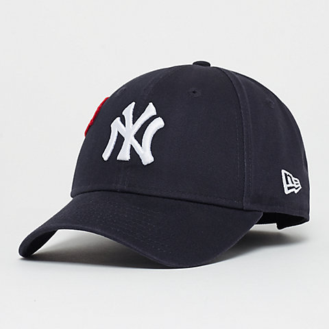 half off a3ab6 8eae1 New Era 9Forty Cooperstown Patched New York Yankees navy