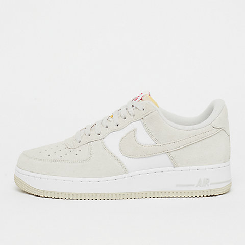 9f9a66568df2ee NIKE Air Force 1 07 LV8 light bone/light bone/university red